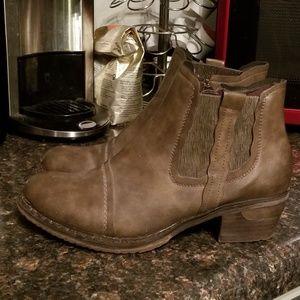 Rieker brown  ankle boots sz 39